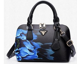 NEW Luxury Handbags Totes Fashion Women Bags Designer Bags Handbag Women  Famous Brand Sac A Main Small Shell Plum Flower Bag DHL Free Ship af38c4ea13e15