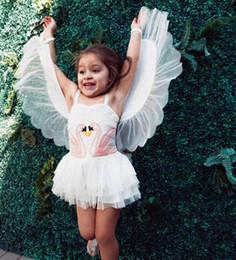 mini cygne Promotion 2018 Ins Girl Swan Wings Tutu Dress 1 pièce Enfants Performance Robes Enfants Cadeaux d'anniversaire Spaghetti avec des ailes détachables Drop shipping