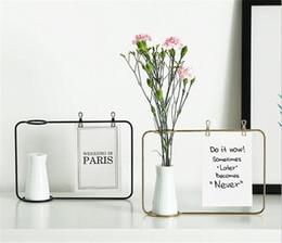 Nuevo jarrón de diseño online-Nueva oficina Soporte de marco de foto de hierro creativo Soporte de clip de tarjeta postal Decoración para el hogar Diseño de moda Amigos de familia Marco de fotos con florero