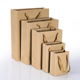papel de embrulho de maçãs Desconto Saco de papel kraft com alça saco de festa de casamento Sapatos de pano de moda sacos de papel de presente Multifuncional Atacado c536