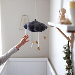 2019 decorazioni per bambini Nursery Style Bianco Pink Moon Nube e Stella Baby Bed Mobile Hanging Girls Boy Room Decoration Accessori Nursery Decor Drop sconti decorazioni per bambini