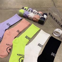 2019 calze a maglia giapponese Calze di cotone stampate per le ragazze di moda di marca per le donne Calze di lana stampate per le donne stampate morbide