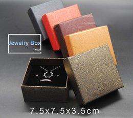 cc6bb08a14e5 pacchetti economici di boxe Sconti 60pcs 7.5   7.5   3.5cm 5 colori  contenitore di