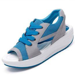 Wholesale ladies suede platform wedge shoes - 2018 Fashion Summer Women's Sandals Casual Mesh Breathable Shoes Women Ladies Wedges Sandals Lace Platform Sandalias 2717W