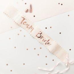 decorazioni cinesi porta nuova anno Sconti 156 * 9.5 cm Rose Gold Team Bride To Be Satin Sash Wedding Decor Bridal Shower Sash Addio al nubilato Decorazioni per feste Forniture per feste