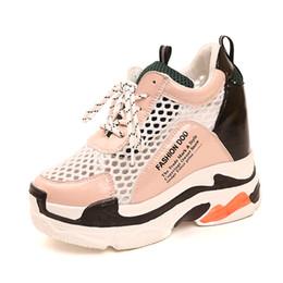 tacones ocultos de cuña alta Rebajas Plataforma de mujer zapatos para caminar Hidden Increasing 10CM high top Summer wedge pink Paris Air Mesh Mujer Wedge Heels lady