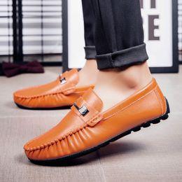 c627b748c0b3 erbsen leder casual schuh Rabatt Herren Freizeitschuhe British Style Echtes  Leder Wohnungen Zapatos Hombre Loafers Plus
