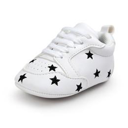 Baby marke weichen unteren schuhe online-WONBO Marke Baby Erste Wanderer Pu-leder Prewalkers Baby Weichen Boden Mode Mokassin Neugeborene Babys Schuhe Stiefel Neu Kommen