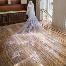 2019 ruban camo rose Applique pas cher type fleur blanche deux couches longueur canthèdre bord coupé voiles de mariée avec tombe XWZ00041