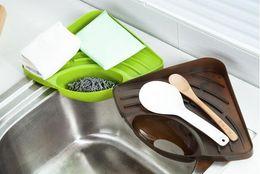 Prateleiras de pia on-line-Novo 50 pcs Cremalheira Triangular Racks De Armazenamento Pia Sink Esponja Estantes de Armazenamento De Cozinha Multi-Purpose Dishwasher Drain Rack