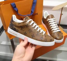 новейшие высококлассные горячие женщины LL Party Wedding Shoes TAN коричневые замшевые низкие кеды, дизайн причинная обувь от
