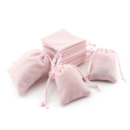 Sacchetti di stoccaggio di gioielli online-Sacchetti regalo di gioielli in velluto rosa con cordoncino con coulisse anti-polvere Monili di stoccaggio cosmetici artigianali con patta per boutique di vendita al dettaglio