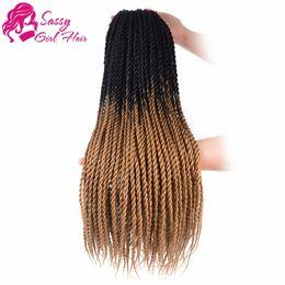 "Hellbraunes flechthaar online-5Packs 24 ""Senegalese Twist Crochet Hair Zöpfe Twist Crochet Flechten Hair Senegalese Twists Frisuren für schwarze Frauen (Schwarz / Hellbraun)"