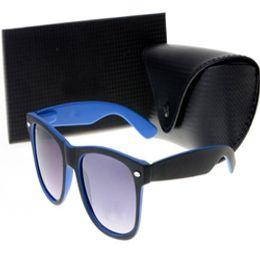 2b6340b3ce6c2 8 Fotos Compra On-line Casaco com óculos-Marca óculos de sol para homens,  mulheres