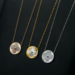 Подвеска с бриллиантовым клевером онлайн-V бриллиантовое ожерелье Париж клевер кулон ожерелье любовь тратить слава богатство ожерелья 1906 перламутр ювелирные изделия