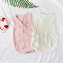2018 Autunno Rosa Bianco Foglia di loto Altalena Neonate a maglia di lana Pagliaccetti One Piece New Born Baby vestiti carino regalo di compleanno cheap pink swings da oscillazioni rosa fornitori