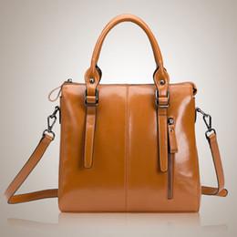 ce7f0a0ced4c 2018 Мода тенденция женская сумка горячая пункт высокого класса масло воск  мотоцикл Локомотив сумка ноутбук сумка