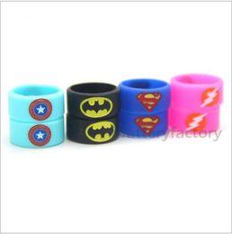 Vape bands logo online-Superman Batman Captain America Flash Silikon Vape Band eingraviert Logo Silikon Schönheit dekorative Ring für Glasbehälter Rda Atomizer Vape Mod