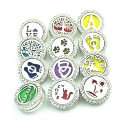 Wholesale Wholesale Paw Clasp - Dog Paw NOOSA Aromatherapy Locket Ginger Snap Button Essential Oil Diffuser with Crystal 18mm Star Heart Mom Faith Tree of Life