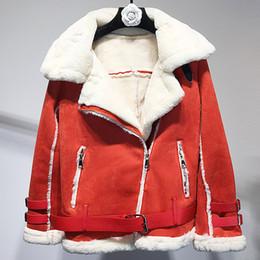 2019 cappotto di pelliccia di caramella Breve Cappotti di pelliccia per autoveicoli Donna Giacche Inverno Caldo Pelliccia Velluto Soprabiti Stile europeo Colore caramella Streetwear Abbigliamento donna sconti cappotto di pelliccia di caramella