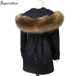 Rivestimento staccabile parka online-Soperwillton 2017 Giacca invernale reale collo di pelliccia di procione con cappuccio Parka giacche donna cappotto di pelliccia di lusso delle signore fodera staccabile # Ba8