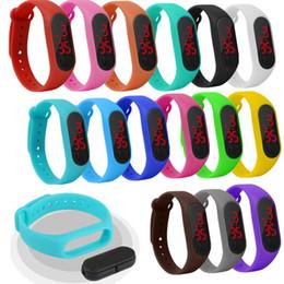 ha portato i wristbands in esecuzione Sconti Smartband LED Activity Wristband multifunzione in silicone Touch Control Time Watch Watch Smartband per lo sport in esecuzione per regalo