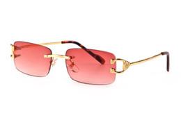 Красные дизайнерские очки онлайн-2019 дизайнерский бренд рога буйвола очки Солнцезащитные очки для мужчин и женщин без оправы Красный объектив солнцезащитные очки металлический каркас gafas-де-Сол