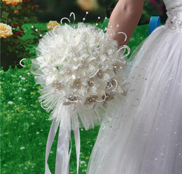 Wholesale Holding Flowers - 2018 Newest Wedding Bridal Bouquets with Handmade Flowers Peals Crystal Rhinestone Rose Wedding Supplies Bride Holding Brooch Bouquet
