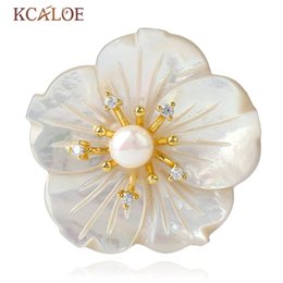 Wholesale Large Pearl Flower Brooch - KCALOE Large Brooch Jewelry Natural Shell Flowers Brooches For Dresses Scarf Fashion Wedding Pearl Pins Pendant Accessories