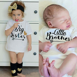 Brüder jungen kleidung online-Baby Boy Little Brother Strampler Große Schwester T-Shirt Sommer Baumwollkleidung Kinder Brief drucken Overall Body Familie Passende Outfits