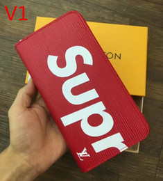 Wholesale leather mens wallet - 2017 New Arrival PU Leather Wallets For Mens Designer Bifold Money Purse High quality Cluch Cente Party Traver Wallet +with gift box