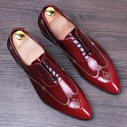 Gli abiti da sposa gli uomini piace online-nuovi rivetti fatti a mano gli oxford vendono come le torte calde a punta scarpe da uomo in pelle scarpe da sposa scarpe da sera eleganti stringate da uomo