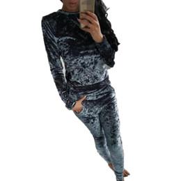 2019 pantalone di yoga in velluto Tute di velluto Set da 2 pezzi SportSuit Felpe con cappuccio a maniche lunghe casual Top e pantaloni Completi di due pezzi Tute sportive da donna pantalone di yoga in velluto economici