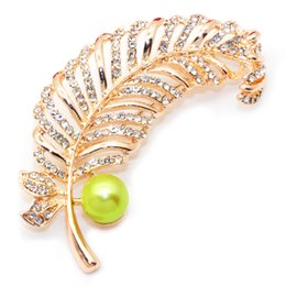 Wholesale feather brooches - 2018 Freshwater Pearl 9-10mm Round Pearl Brooch Feather Shape Brooch Charm Surprise Gift