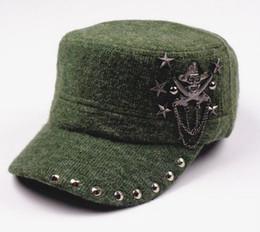 Hip Hop Crâne Plat Chapeaux Punk Rivet Hommes Armée Chapeau Cool Femme Casual Casquette de Baseball Marque Fitted Hats ? partir de fabricateur