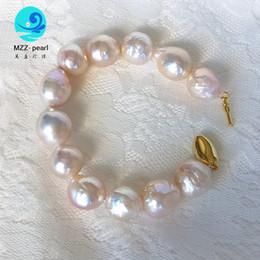 grandes pulseiras para as mulheres atacado Desconto pulseiras atacado alto brilho forma de gota grande pérola de água doce com cercadura para mulheres