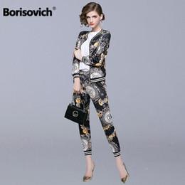 Borisovich 2 pezzi Set donna Casual Abiti New Brand 2018 Autunno Moda Vintage Print femminili Giacche e pantaloni alla caviglia N133 da tute da jogging strass fornitori
