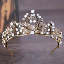 Wholesale Vintage Rhinestone Tiara Heart - Crown of the bride vintage flowers exquisite crown European-style copper diamond-mounted bride's hair ornaments crown also wholesale