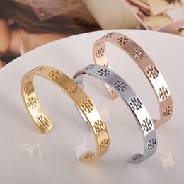 desenhos de pulseiras de prata Desconto Pulseira de Aço inoxidável Cuff Bangle com projeto T invertido para as mulheres de Prata Rosa de Ouro escavar Logo pulseira aberta pulsera jóias Finas