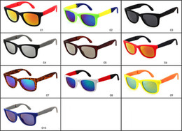 Wholesale Wholesale Designed Eyeglasses - Classic Men Sunglasses For women Vintage Brand Design Retro Sun glasses Styles Glasses UV400 Protect High Quality Eyeglasses