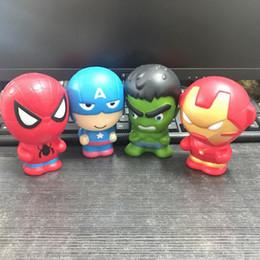 Os Recém-chegados 11 cm Kawaii Marvel Super Herói Squishy brinquedo Hulk / Spiderman / Ferro Lento Rising Squishies PU Scented Squeeze Relief Toy de Fornecedores de armadura de santo seiia