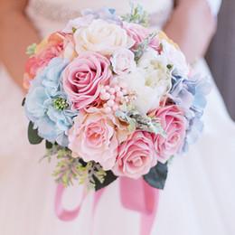 Beaux bouquets bleus en Ligne-Iffo nouvelle mariée tenant un bouquet rose clair bleu clair beau mariage simulation forêt rose bouquet de mariée mariage