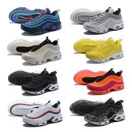 Plus 97 Chaussures De Course South Beach Gym Rouge Jaune Undftd Triple Blanc Noir Og Argent Bullet Men Trainer 97s Femmes Sports Sneakers 36-46 ? partir de fabricateur