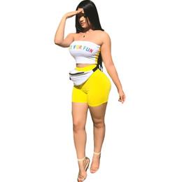 Off ombro apertado tops on-line-XLLAIS 2018 Verão Estiramento Imprimir Carta 2 Peça Define Mulheres Sexy Strapless Fora Do Ombro Apertado Colheita Tops Cintura Elástica Mini Shorts