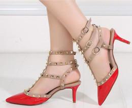 Sandales à lacets en Ligne-Lace Up IRed Bottom talons hauts de nouvelles femmes de style d'été bout pointu bandage sandales Stiletto célébrité dames chaussures pompes