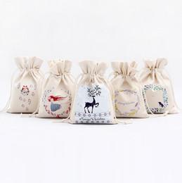 Sacchetto del regalo di Natale Borse di calzino di tela di cotone puro con coulisse Babbo Natale Design per regali Sacchetti di regalo di caramelle CCA10079 30 pezzi cheap sock packaging bag da sacchetto di imballaggio del calzino fornitori