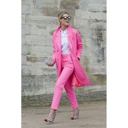 2019 traje rosa ajustado Trajes de negocios de color rosa para mujer Blazer con pantalones de chaqueta larga Slim Fit juego de pantalón rebajas traje rosa ajustado