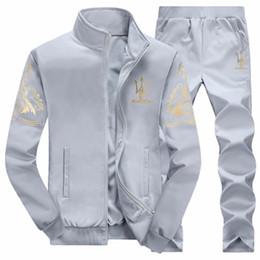 graue hosenanzüge Rabatt Herbst Herren Sweat Suits Sets Jogger Jacken mit Hosenanzug Hip Hop schwarz grau Designer Trainingsanzüge