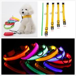2019 linterna de nylon Collares LED Flash Collares para gatos para perros Linterna USB Noctilucent Recargable Collar para mascotas Night Safety Accesorio para perros 7 Color linterna de nylon baratos