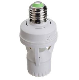 Sensor de base online-Smart AC 110V-240V 60W PIR Sensor de movimiento por infrarrojos de inducción E27 LED Base de la lámpara W / Interruptor de control de la luz Adaptador de zócalo de la bombilla